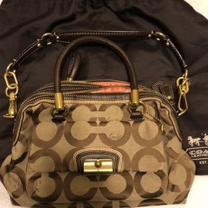 Coach purse. Brand new. Dustbag. Too small 4 me!